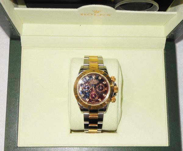 ブランド時計の写真